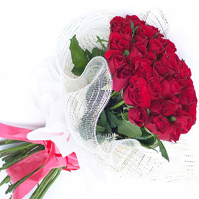 send Bunch of 15 Red Roses to solapur